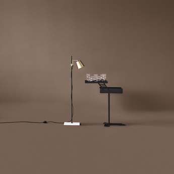 Lampadaire lab light laiton l28cm h125cm karakter normal