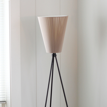 Lampadaire olso wood beige noir h165cm northern lighting normal
