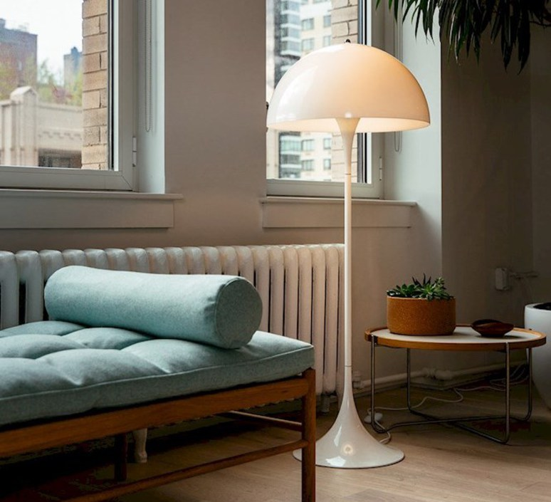 Panthella  verner panton lampadaire floor light  louis poulsen 5744163350  design signed 48990 product