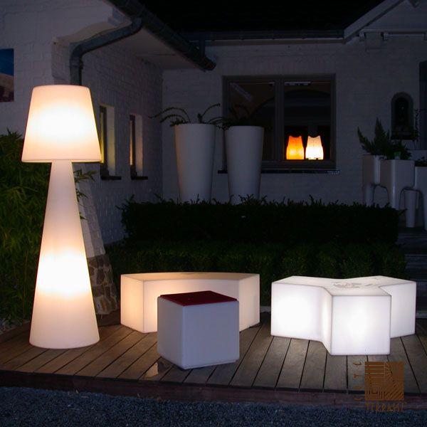 Lampadaire pivot blanc h200cm slide luminaires nedgis for Luminaire exterieur pour terrasse