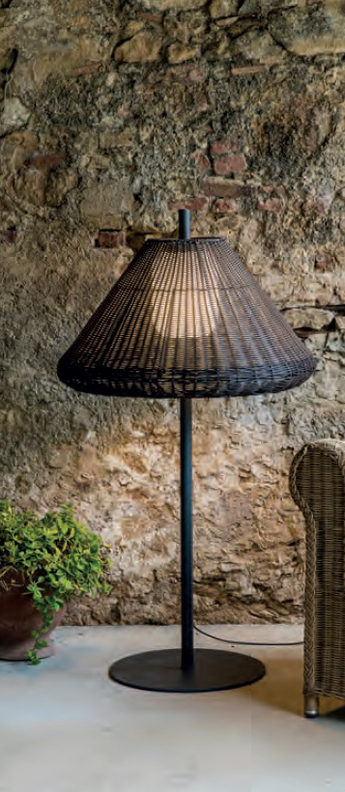 Lampadaire saigon out lampadaire w71 marron ip65 o68cm h1000cm faro normal
