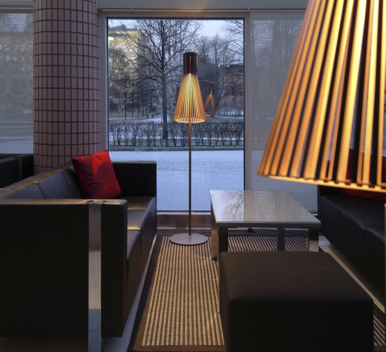 Secto 4210 seppo koho lampadaire floor light  secto design 16 4210 21  design signed 42243 product