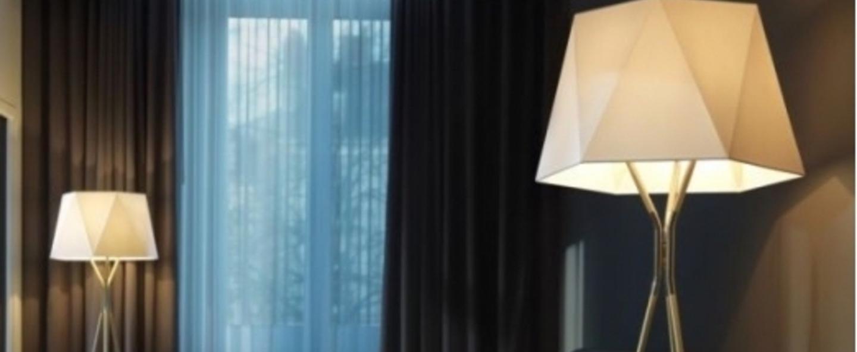 Lampadaire solitaire xs blanc et laiton l69cm h160cm cvl normal
