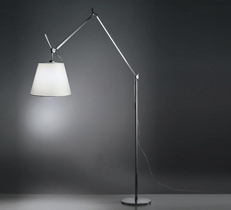 lampadaire tolomeo mega terra gris dimmable led h334cm 33cm artemide luminaires nedgis. Black Bedroom Furniture Sets. Home Design Ideas