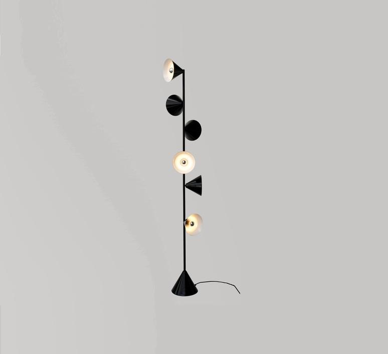 Vertical 1 gwendolyn et guillane kerschbaumer lampadaire floor light  areti vertical 1 laiton  design signed nedgis 64490 product
