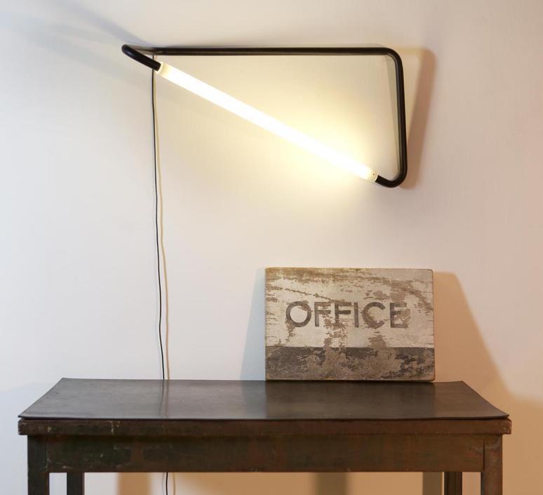 001 naama hofman lampe a poser table lamp  naama hofman 001 noir  design signed 45257 product