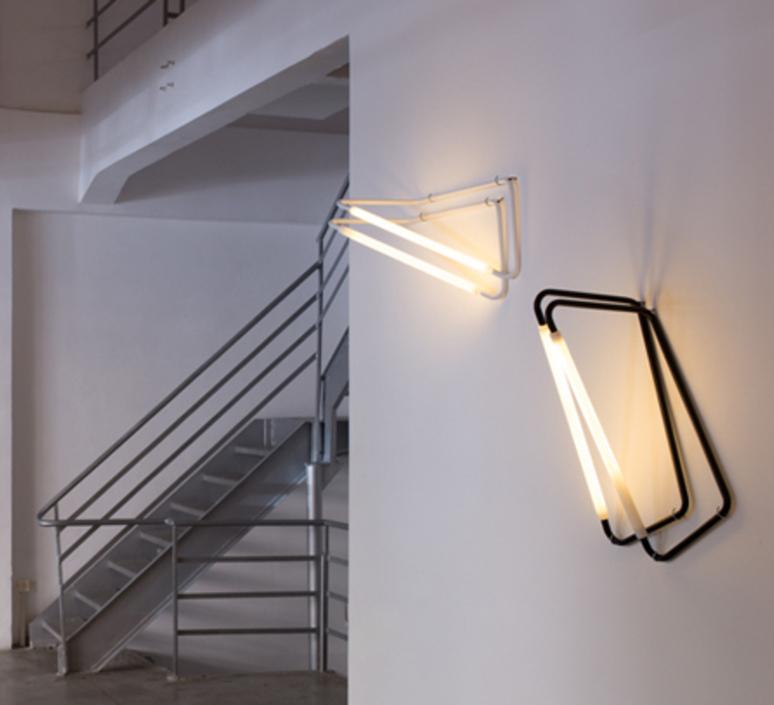 001 naama hofman lampe a poser table lamp  naama hofman 001 noir  design signed 45259 product