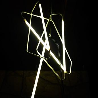 Lampe a poser 004 laiton led l20cm h45cm naama hofman normal