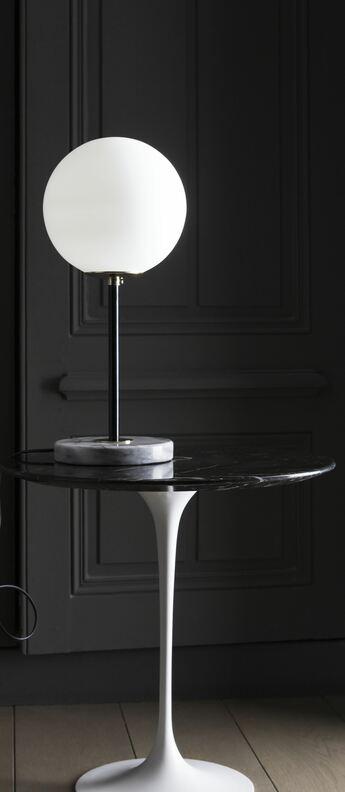 Lampe a poser 06 version 1 marbre de carrare noir o22cm h50cm magic circus editions normal
