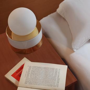 Lampe a poser 1 01 blanc led o18cm h21cm haos normal