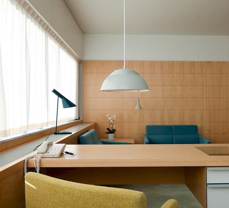 Aj arne jacobsen lampe a poser table lamp  louis poulsen 5744165659  design signed 48928 product