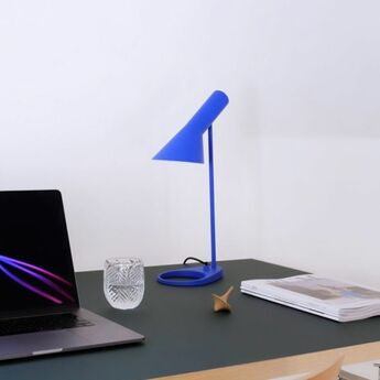 Lampe a poser aj mini bleu ultra l18 3cm h43 3cm louis poulsen normal