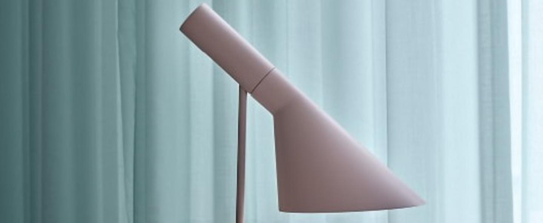 Lampe a poser aj mini rose pale l18 3cm h43 3cm louis poulsen normal