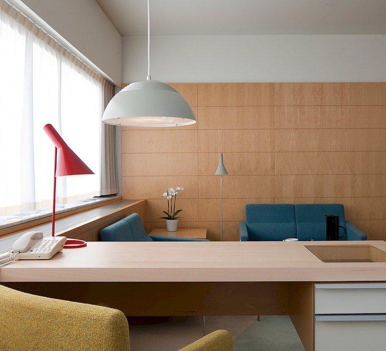 Aj arne jacobsen lampe a poser table lamp  louis poulsen 5744165646  design signed 48925 product