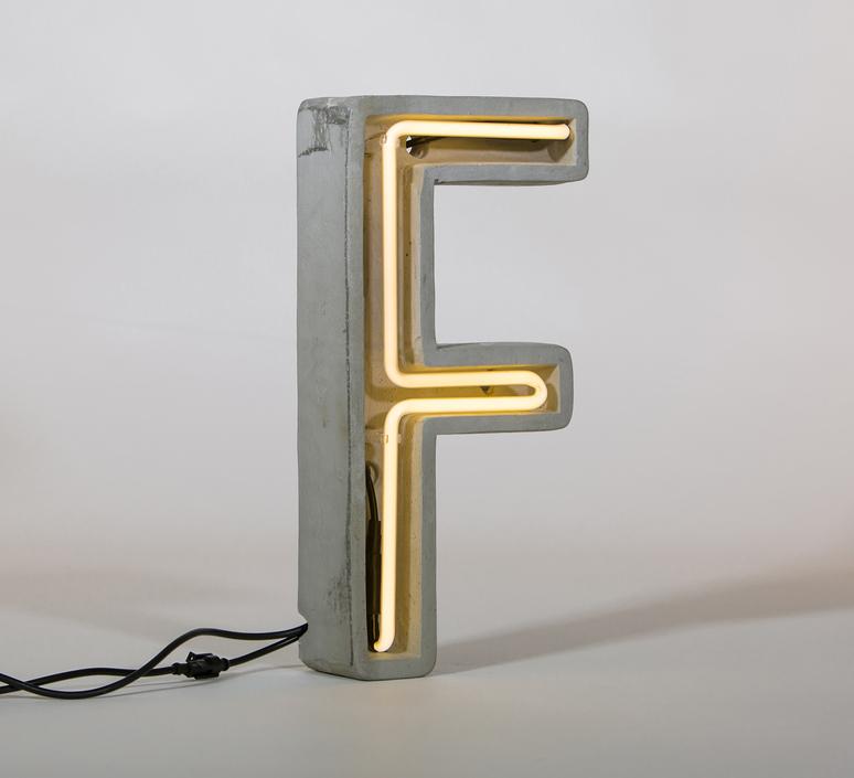 Alphacrete f bbmds lampe a poser table lamp  seletti 01415 f  design signed 40634 product