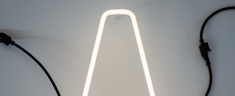 Lampe a poser alphafont a blanc l15 7cm h35cm seletti normal
