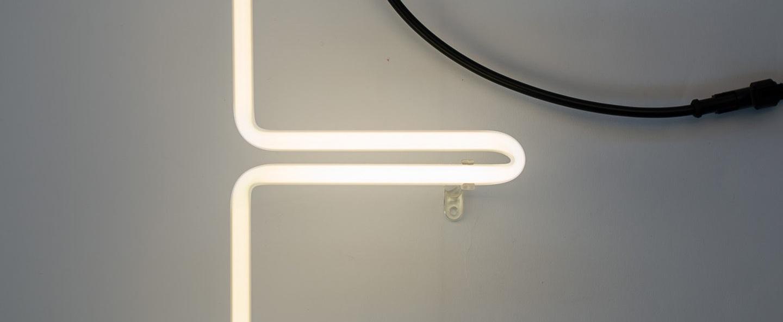 Lampe a poser alphafont e blanc l15 7cm h35cm seletti normal
