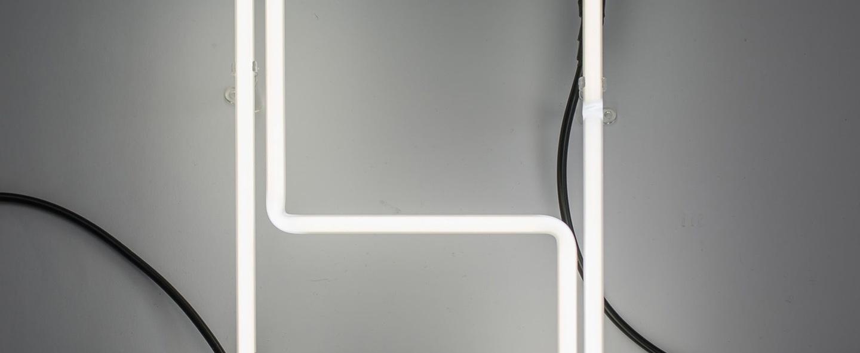 Lampe a poser alphafont h blanc l15 7cm h35cm seletti normal