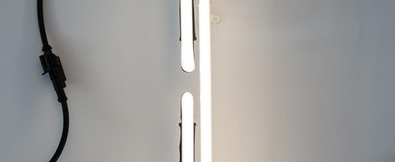 Lampe a poser alphafont i blanc l15 7cm h35cm seletti normal