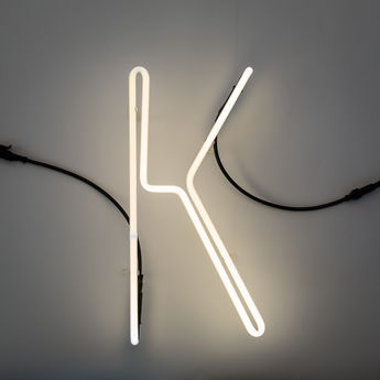 Lampe a poser alphafont k blanc l15 7cm h35cm seletti normal
