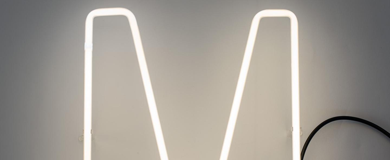 Lampe a poser alphafont m blanc l15 7cm h35cm seletti normal
