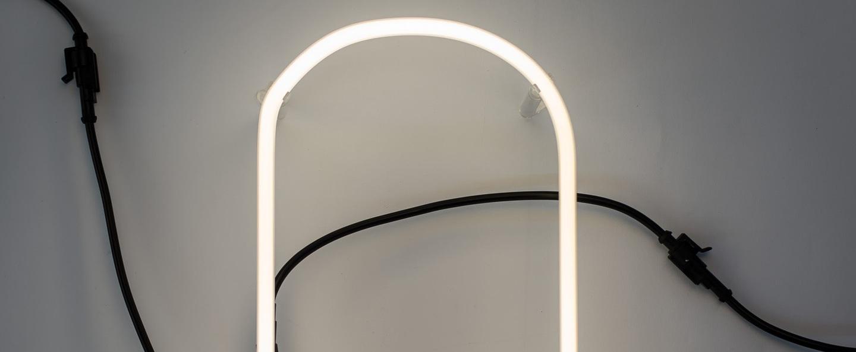 Lampe a poser alphafont o blanc l15 7cm h35cm seletti normal