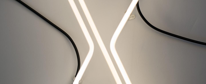 Lampe a poser alphafont x blanc l15 7cm h35cm seletti normal