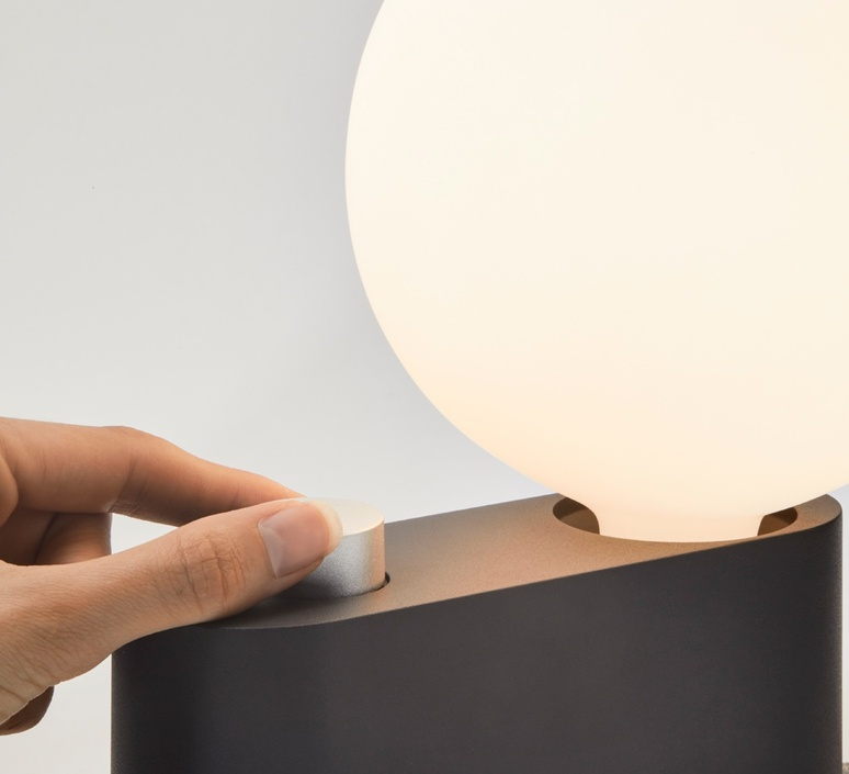 Applique murale alumina  lampe a poser table lamp  tala alm sphr iv chr tbl 01 eu  design signed nedgis 116631 product
