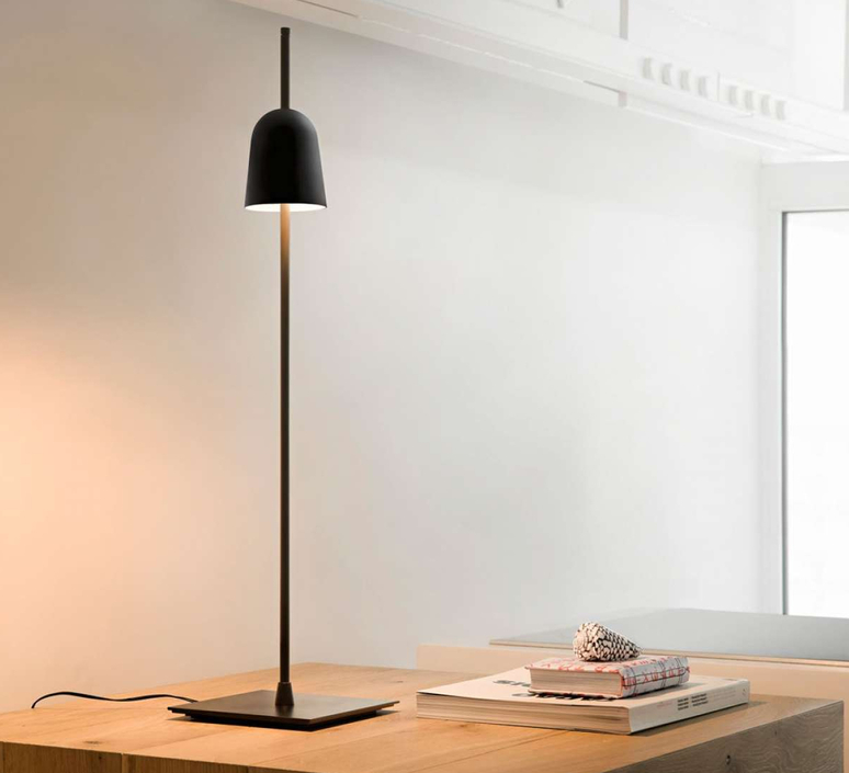 Ascent daniel rybakken lampe a poser table lamp  luceplan 1d780 000001  design signed nedgis 78430 product