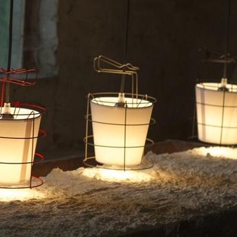 Lampe a poser baladeuse 20 or o16cm h25cm hind rabii normal