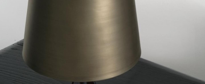 Lampe a poser base laiton noir l21cm h39cm tom dixon normal