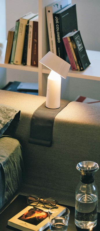 Lampe a poser bicoca led dimmable blanc casse h22 5cm marset normal