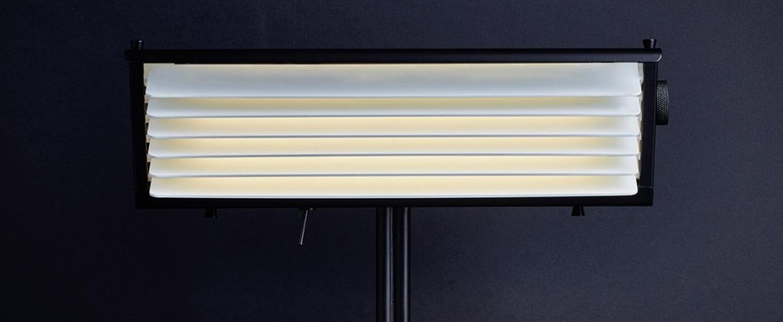 Lampe a poser biny table noir et blanc led 2700k l32 5cm h32 5cm dcw editions normal