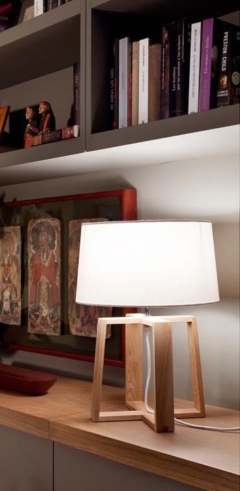 Lampe a poser bliss bois et abat jour tissus blanc h44cm o32cm faro normal