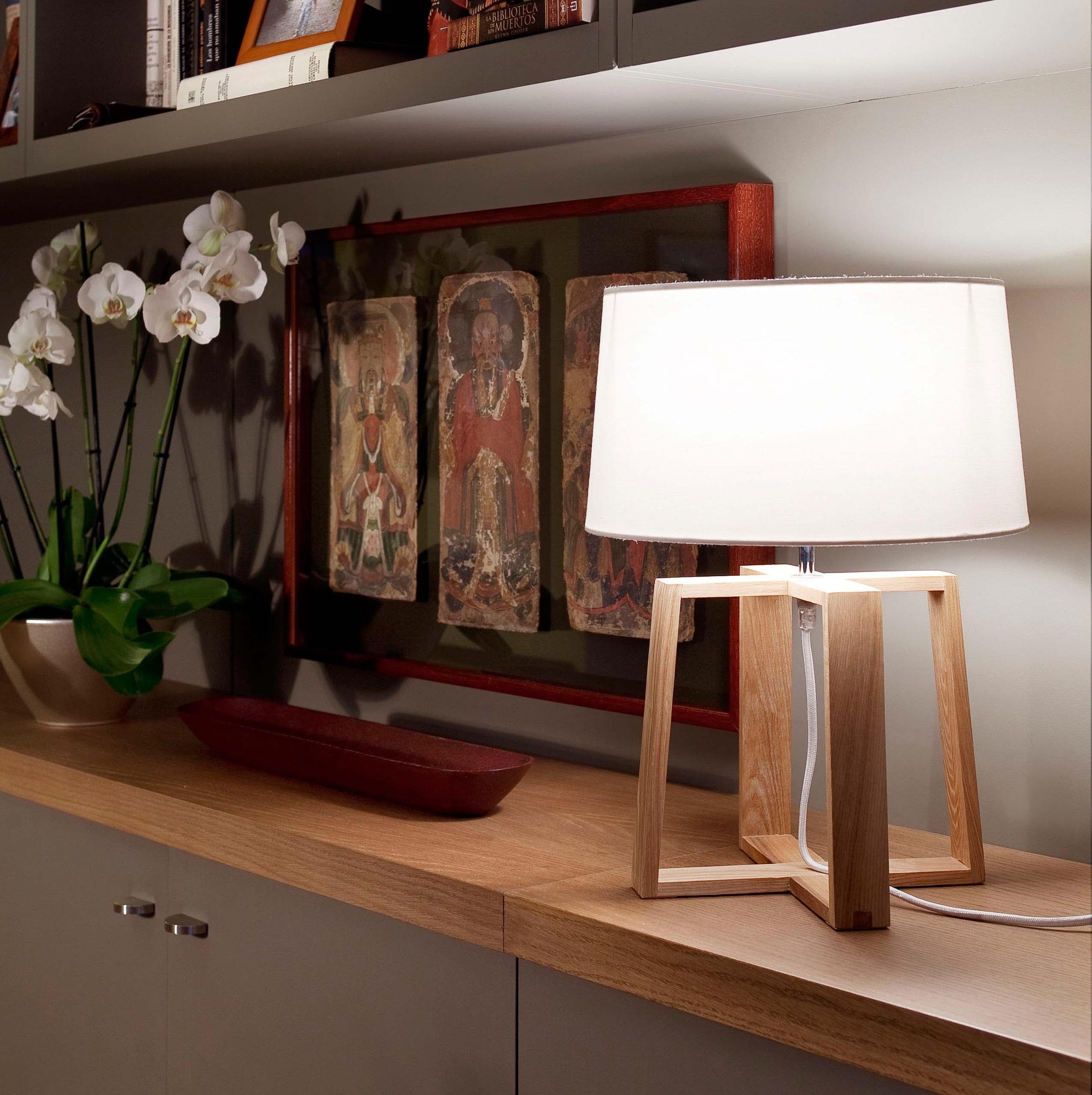 lampe poser bliss bois et abat jour tissus blanc. Black Bedroom Furniture Sets. Home Design Ideas