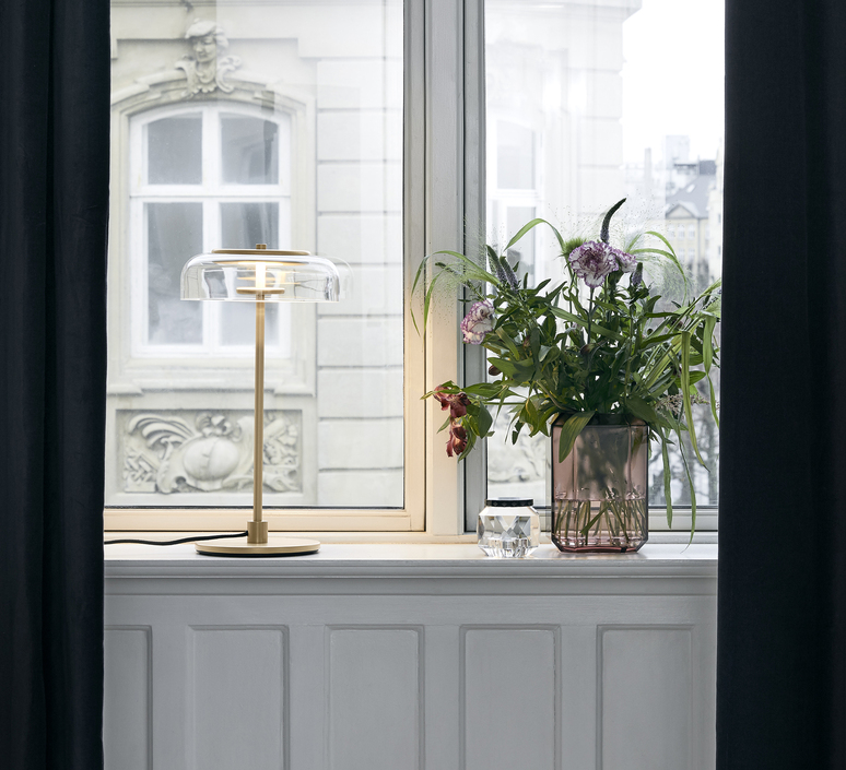 Blossi sofie refer lampe a poser table lamp  nuura 02530121  design signed nedgis 89753 product