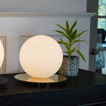 Lampe a poser bola sphere table 8 laiton verre opalin led 2700k 800lm o24cm h22 2cm pablo normal