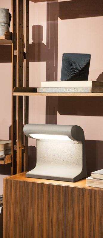Lampe a poser borne beton mini led 3000k 1920lm l30cm h31cm nemo lighting normal