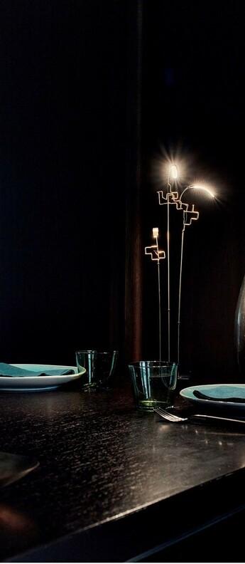 Lampe a poser boucle noir et laiton l8cm h47cm dcw editions paris normal