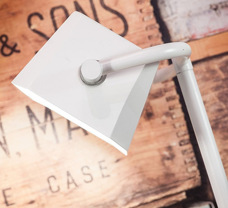 Cambridge studio it s about romi lampe a poser table lamp  it s about romi cambridge t w  design signed 48049 product