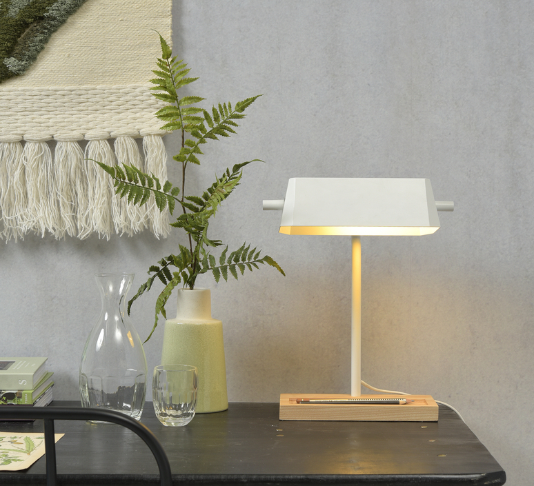 Cambridge studio it s about romi lampe a poser table lamp  it s about romi cambridge t w  design signed 60202 product