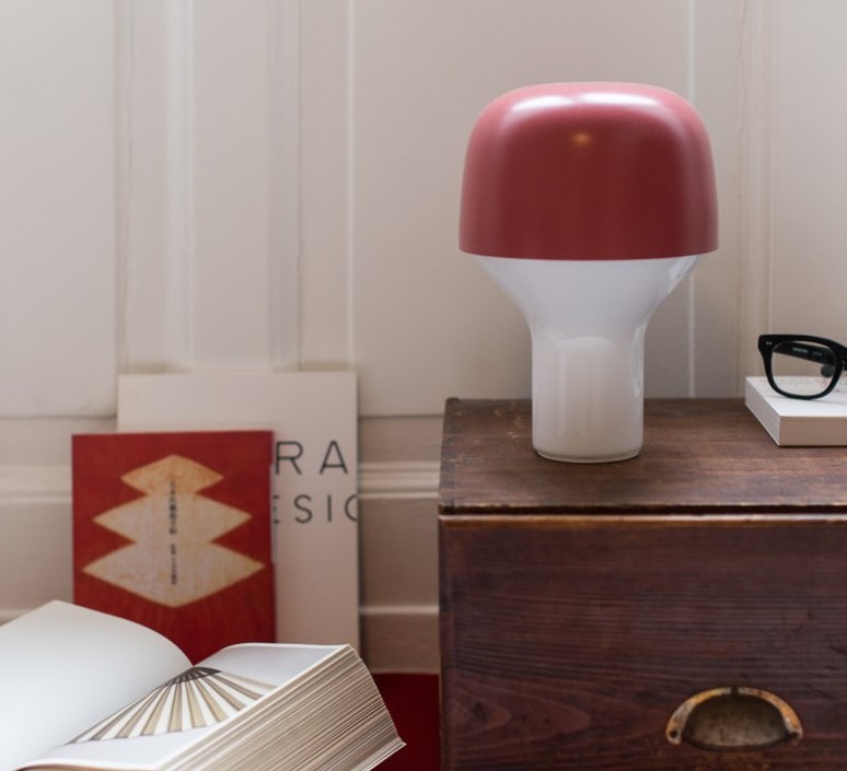 Cap lena billmeier et david baur lampe a poser table lamp  teo t0001 rd199  design signed 83051 product