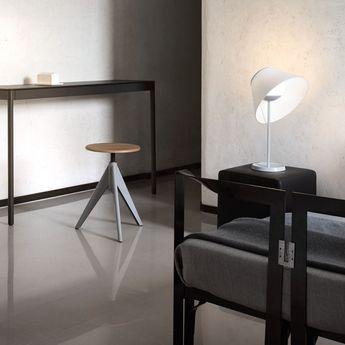Lampe a poser cappuccina creme aluminium led 698lm 3000k o36cm h57cm luceplan normal