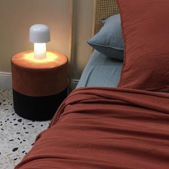 Lampe a poser chapeliere blanc h43 5cm lignes de demarcation normal