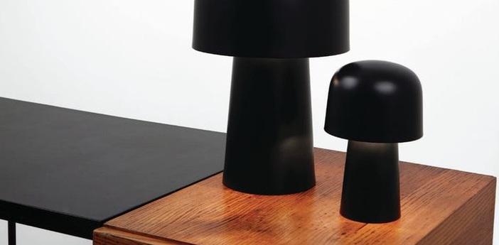 Lampe a poser chapeliere led noir h24 7cm lignes de demarcation normal