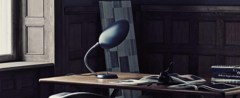 Lampe a poser cobra gris anthracite h63 5cm o16 5cm gubi normal