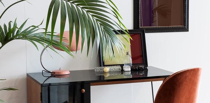 Lampe a poser cobra rouge vintage h63 5cm o16 5cm gubi normal