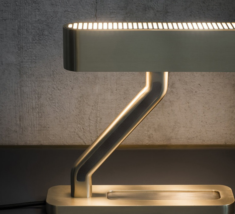 Colt robbie llewellyn et adam yeats lampe a poser table lamp  bert frank colt tl  design signed nedgis 75410 product