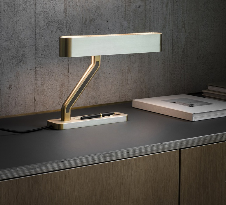 Colt robbie llewellyn et adam yeats lampe a poser table lamp  bert frank colt tl  design signed nedgis 75411 product