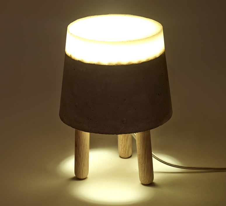 Concrete renate vos lampe a poser table lamp  serax b7214483  design signed 59955 product